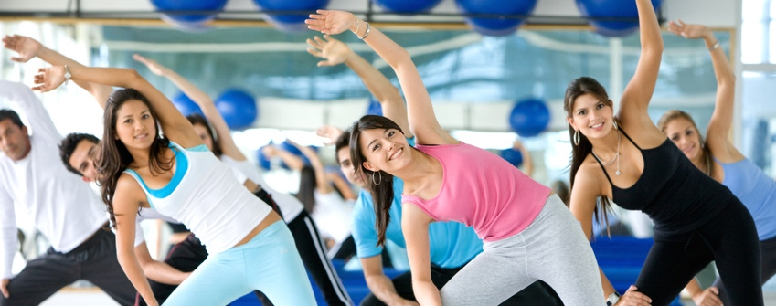 aerobics-class-in-a-gym